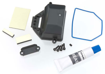 Traxxas Box, Receiver (Sealed)/ Wire Cover/ Foam Pads, Upper & Lower/ Silicone Grease/ 2.5x8 CS (4)/ 3x4 GS (1)   7024X