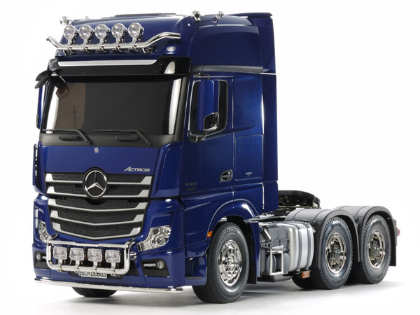Tamiya Mercedes-Benz Actros 3363 6x4 Gigaspace Pearl Blue 56354